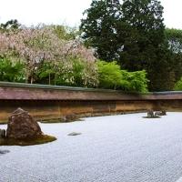 นั่งนับหินที่สวนหินเซ็นวัด Ryoanji