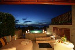 restdetailhotel-jaguzzi pool