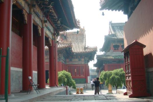 Lama-Temple_01-03